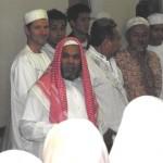 L'imam Mustafa avant de faire un du'a pour le repas